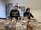 La Guardia di Finanza sequestra 50 chili di sigarette, 2 arresti